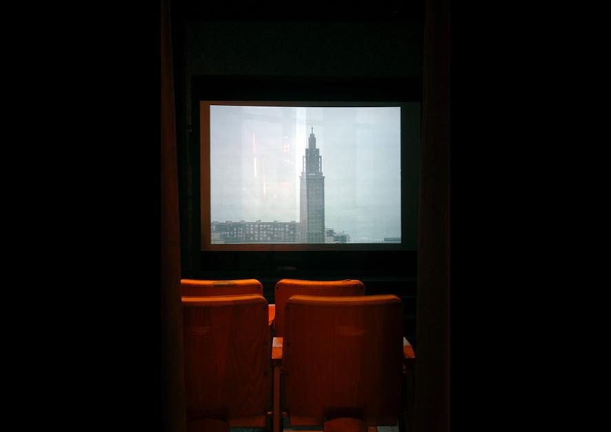 Empire, On ne choisit pas ses rêves (d'après Andy Warhol), Église Saint Joseph d'Auguste Perret, Installation vidéo sur la « starification » du centre reconstruit de la ville du Havre, «Present(s)», parcours d'expositions, Arnaud Jammet 2006.